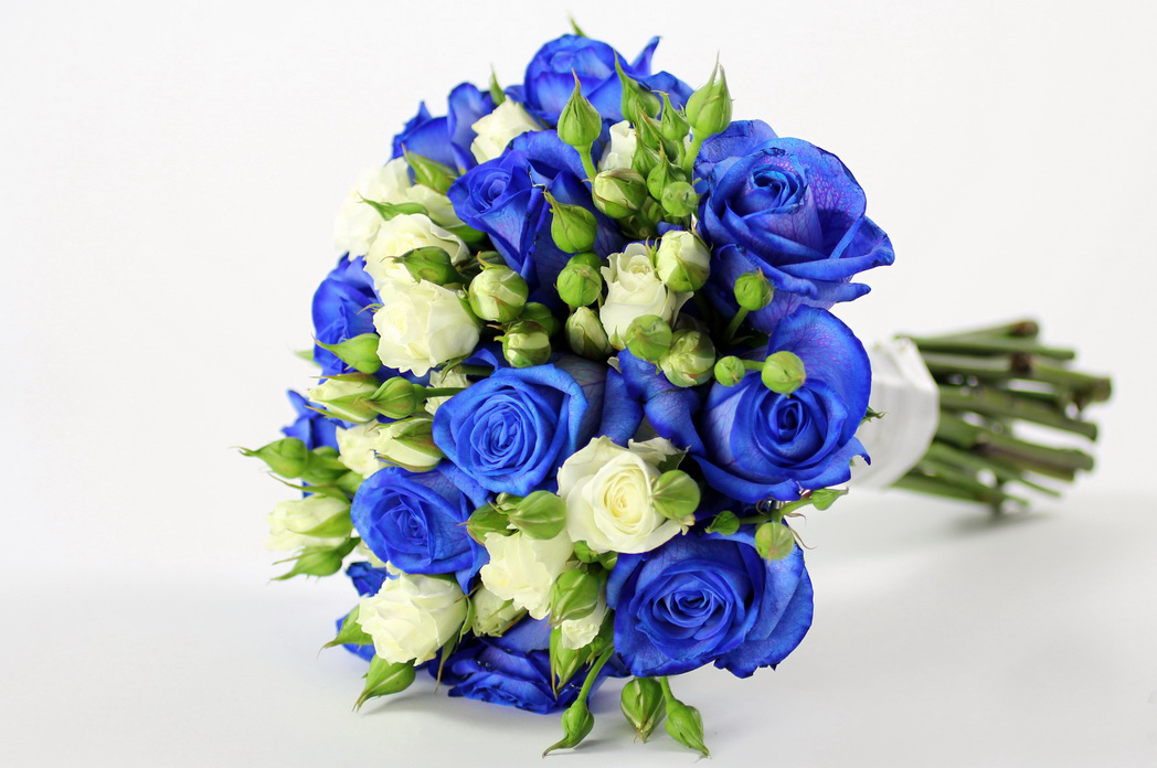 Bridal style and wedding ideas perfect royal blue wedding for Bouquet of flowers for weddings
