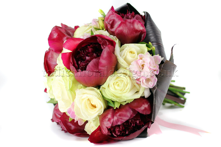Flower Bouquets All Red Roses Or Even And White Rose Work Brilliantly For Timeless Designs Our Florists Tend To Mix With Freesias