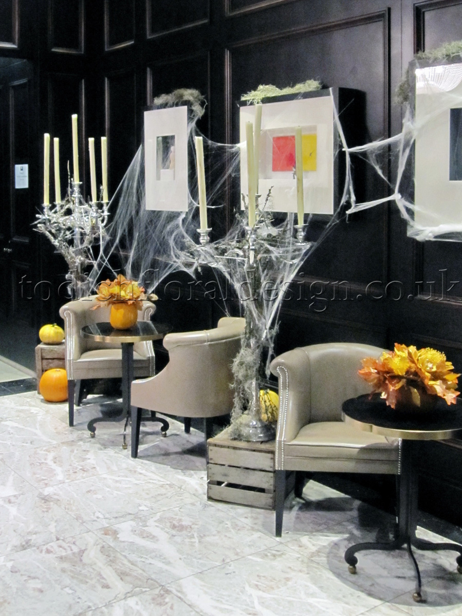 todich floral design is a specialist in event flowers for private clients hotels and restaurants and for these halloween flowers was tasked to create a