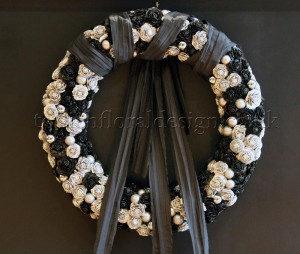 black and white monochrome wreath by Todich Floral Design