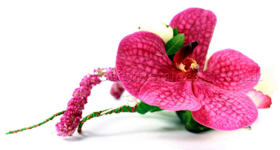 pink-wedding-corsages-buttonholes-london-uk-wedding-florist-bridal-bouquets-affordable-prices