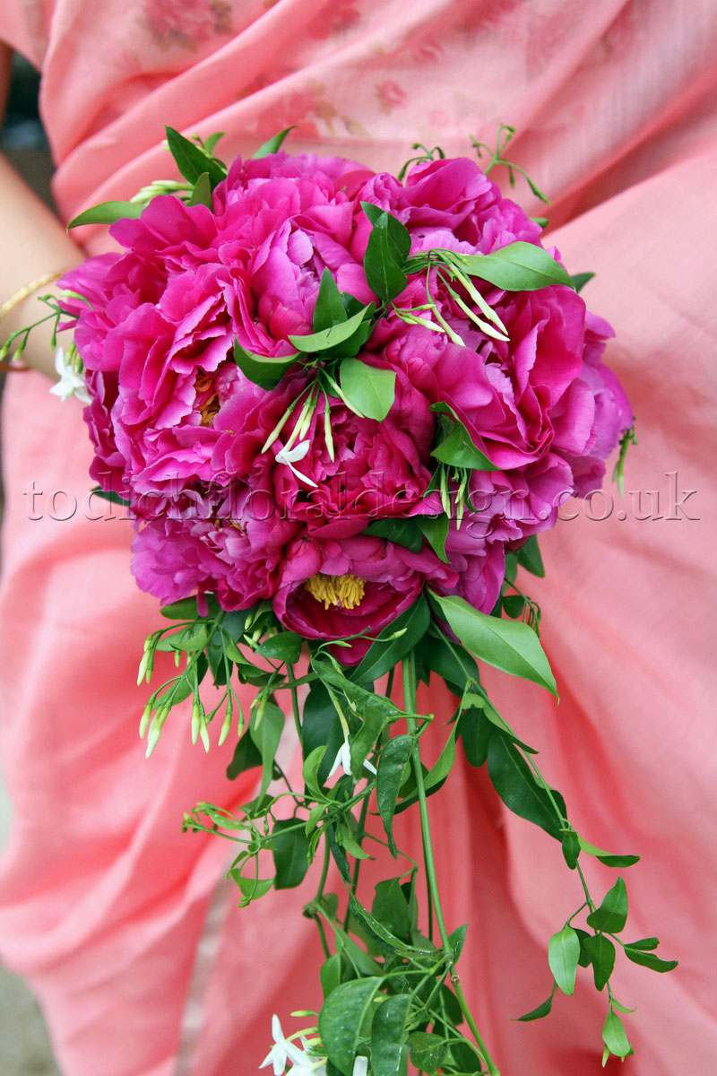 pink-wedding-flowers-pink-bridal-bouquets--for-summer-london-weddings