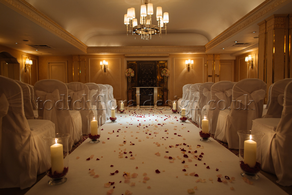 art-deco-wedding-flowers-london-uk-wedding-reception-flowers-london