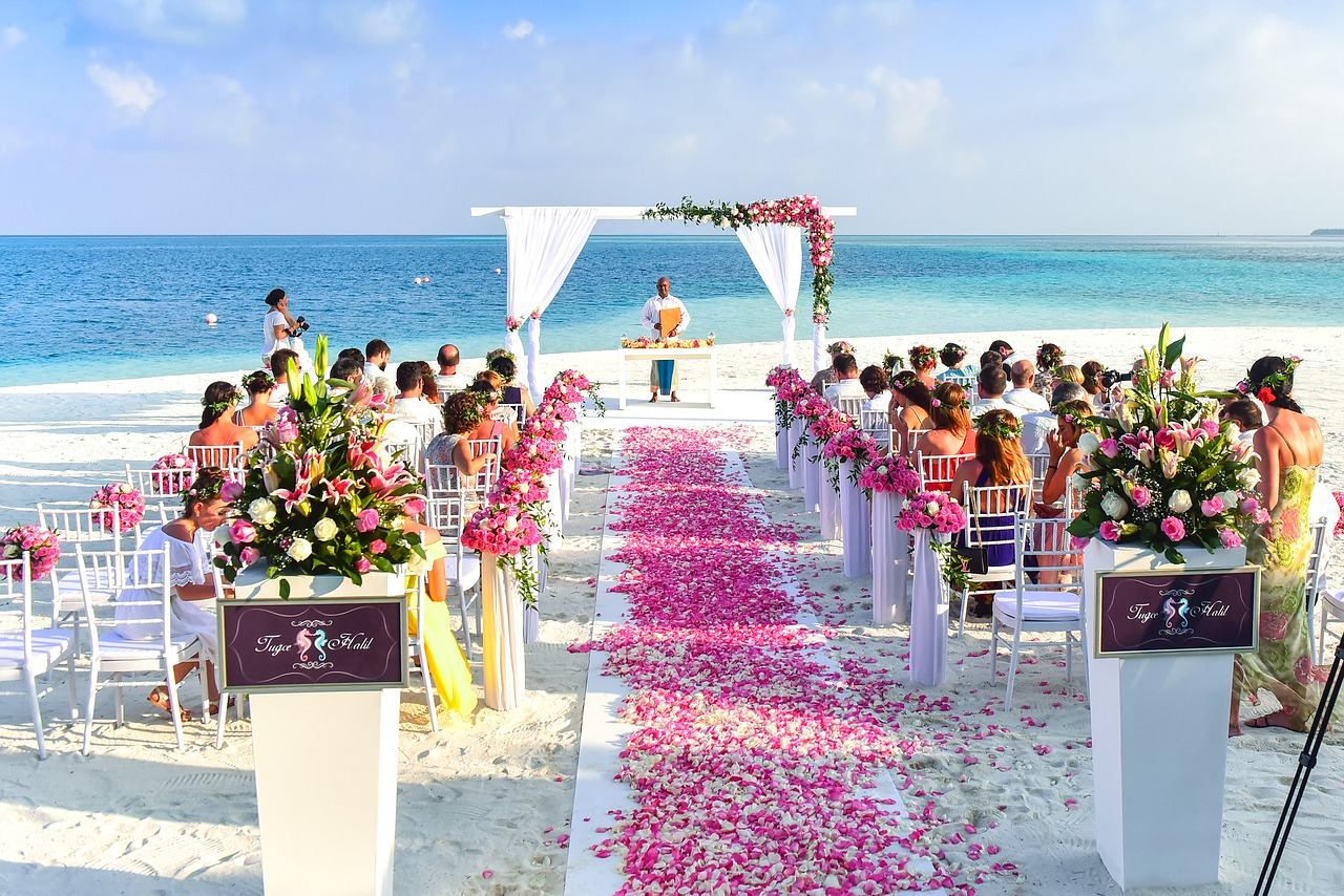 summer-beach-wedding-flowers-trends-21017-london-florist-tips-and-advice