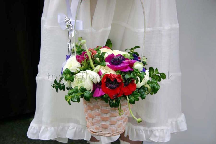 Flower Baskets For Weddings Uk : London wedding flowers photo gallery